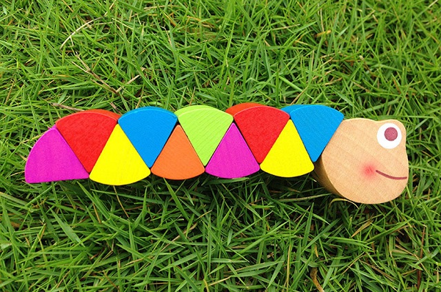 Flexible caterpillar wooden toy, small toys for kids