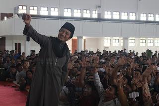 Hadirkan Ustadz Yusuf Mansur di E-Fest, Mahasiswa UTM Histeris!