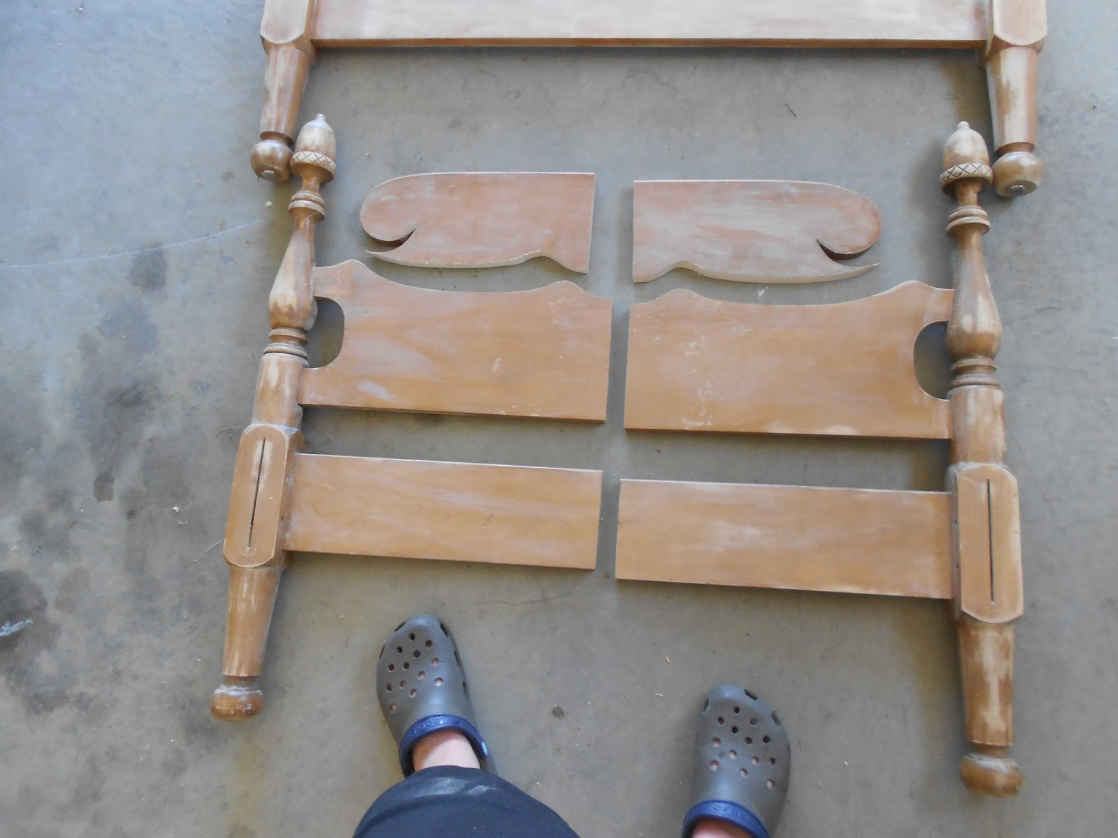 Creative Decor By Brooke: Free Headboard To Darling Bench