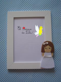 muñeca-comunión-fieltro-elbosquedelulu-hechoamanoparati-regalo-personalizado-marco-fotos-detalles-invitados