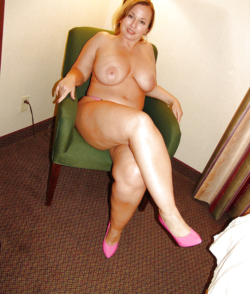 Curvy Mature Nude Pics