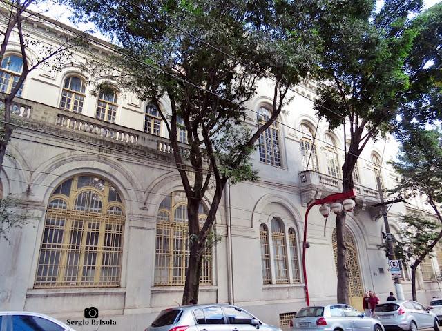 Vista da fachada do prédio antigo da Damásio Educacional - Liberdade - São Paulo