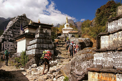 Mani walls and stupas