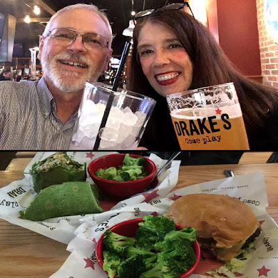 Drake's in Chattanooga food review.  Yummy!