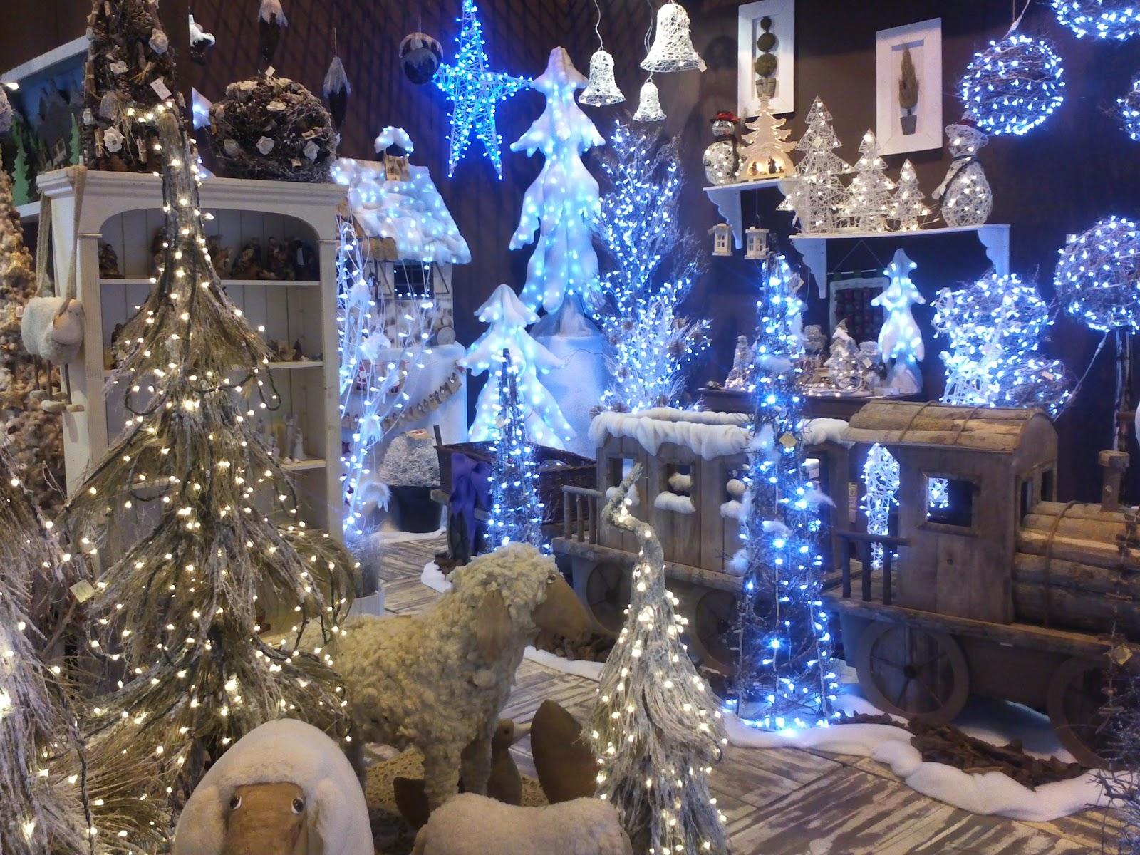 Decandyou ideas de decoraci n y mobiliario para el hogar - Como decorar un arbol de navidad azul ...