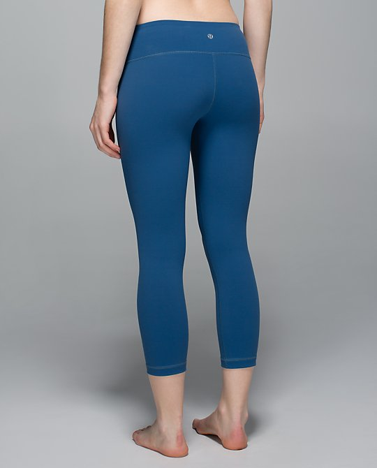 lululemon-hawk-blue wunder-under-crop
