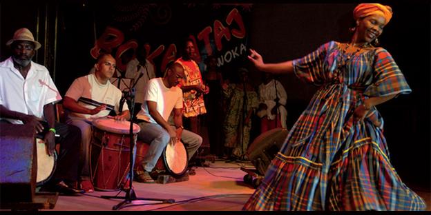 Danse de Gwo Ka sur scène , podium