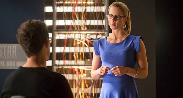 Felicity in The Flash 1x08 - The Flash Vs Arrow: