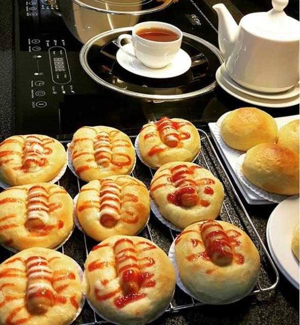 Roti Sosis panggang