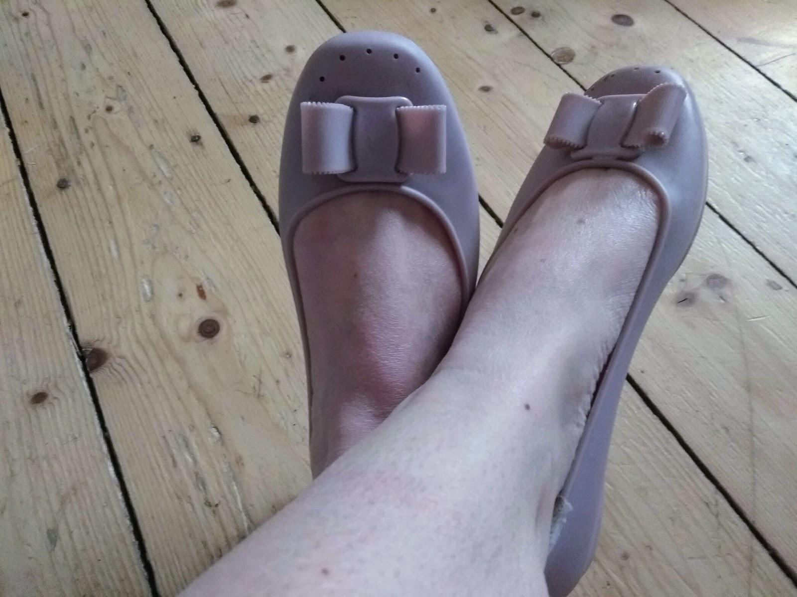 54bd3cc55f75 Proč nosit plastové boty  Jaké už mám a jaké jsem si vybrala v nové ...