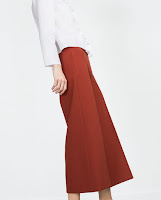 http://www.zara.com/fr/fr/femme/pantalons/culottes/pantalon-78-c733899p2866322.html