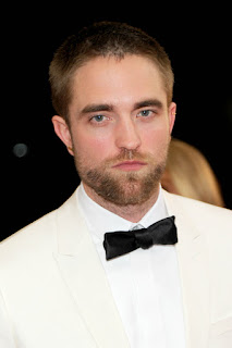 http://www.robsessedpattinson.com/2016/05/new-pics-robert-pattinson-looking.html