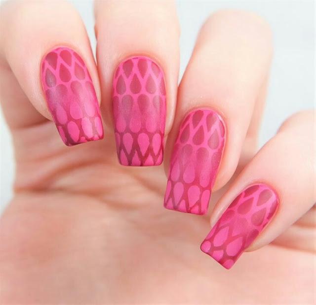 Pink drops nail art
