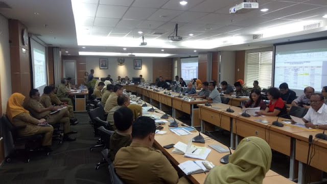 Sindiran Telak untuk Tim Gubernur Dari Anggota DPRD, Bilang Yang Urus Seluruh Indonesia Saja Tak Perlu 73 Orang....