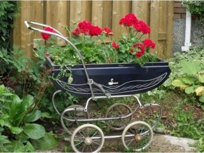 16 Ide Tanam Bunga di Kereta bayi dan Troli Bekas