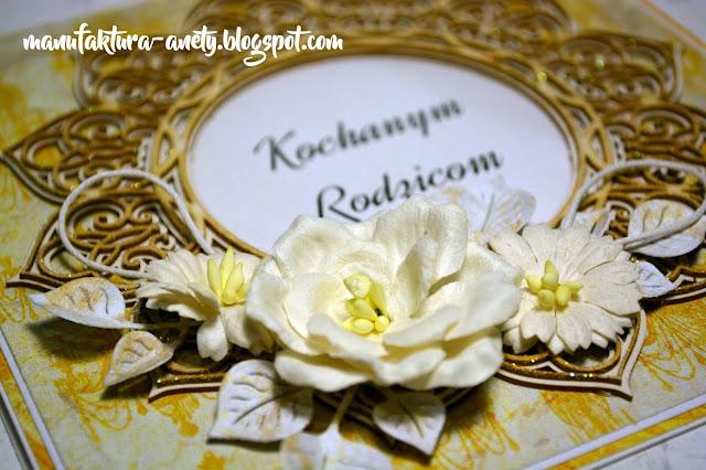 ozdoby -kwiaty, tekturka, napis
