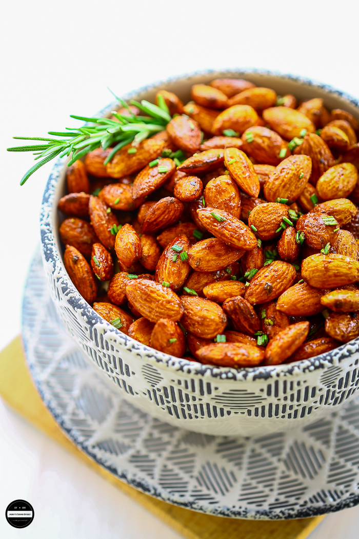 Spiced Rosemary Almonds are easy to prepare, it's tasty, delicious and healthy. Perfect as a edible gifts.