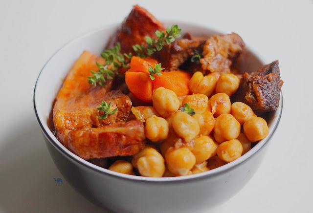 Le Chameau Bleu - Blog Cuisine et Voyage - Puchero - Ragoût de pois chiches à l'espagnole Recette de Cuisine espagnole