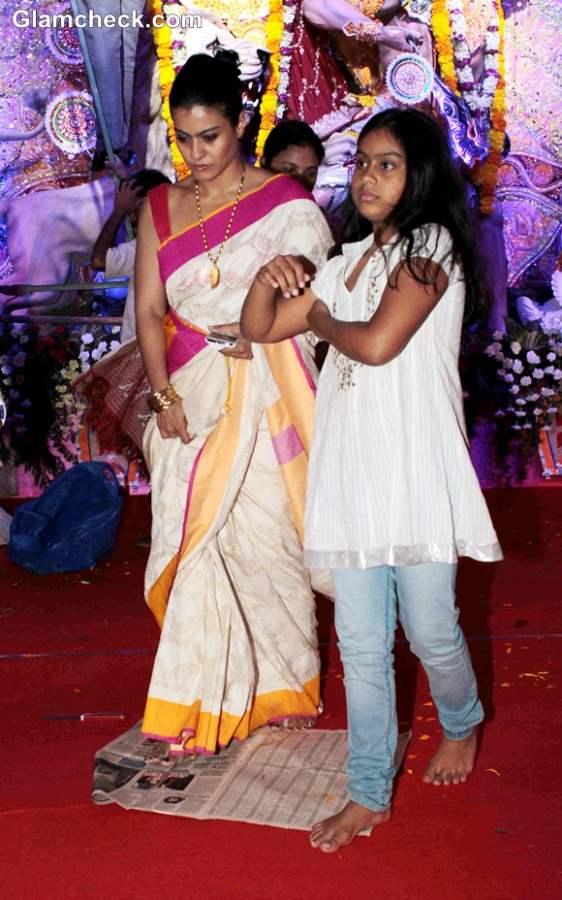 Kajol & her daughter in durga puja