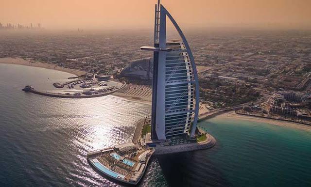 Gedung Burj Al Arab