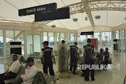 Khusyuk Beribadah di Sejuknya Masjid Bandara