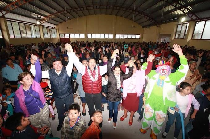 Familias campesinas reciben a Enoc Hernández en Villaflores
