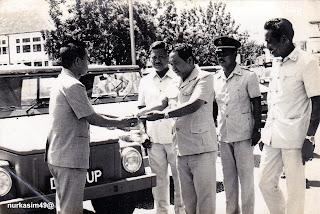 Penyerahan Mobil Pemilu 1977 kepada Camat-camat Kota Ujung Pandang