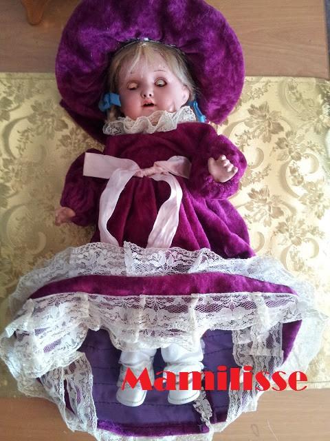 muñeca de porcelana antigua durmiendo