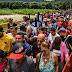 Venezolanos hacen largas colas en Cúcuta por platos de comida