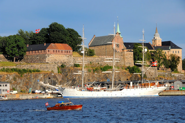 Norway Harbor against the Akershus Fortress. Photo Credits: Innovation Norway, Nancy Bundt and Visitnorway.com. Unauthorized use is prohibited.