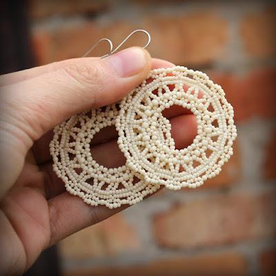 круглые серьги из бисера ажурные кремовые серьги кружево свадьба