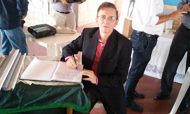 Escritor e historiador Adrião Neto defende mudança em símbolo do Estado do Piaui.