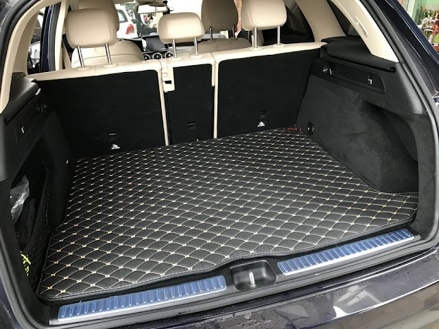 Thảm lót sàn ô tô 6D khi lắp vào thành cốp xe