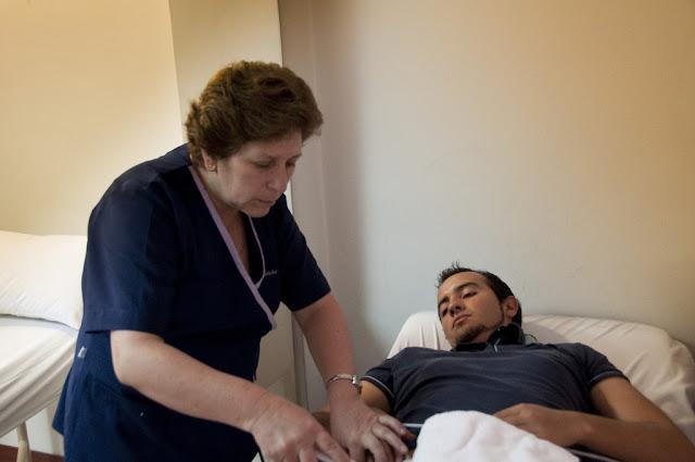 Comunicado Escuela de Medicina / USFQ y Hospital de los Valles