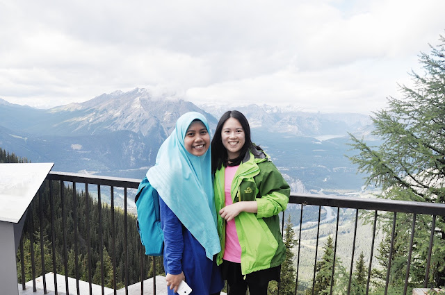 Farah & Amanda at Banff National Park