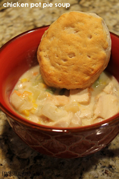 Chicken Pot Pie Soup // Savory chicken pot pie in soup form - all the comfort of pot pie without the crust! #recipe #chicken #potpie #soup
