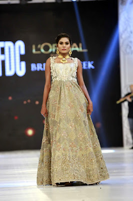 saira-shakira-designer-bridal-dresses-zohra-collection-at-pblw-2016-12