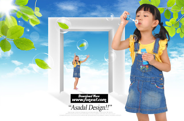 FREE PSD download : Designs girl playing games has water