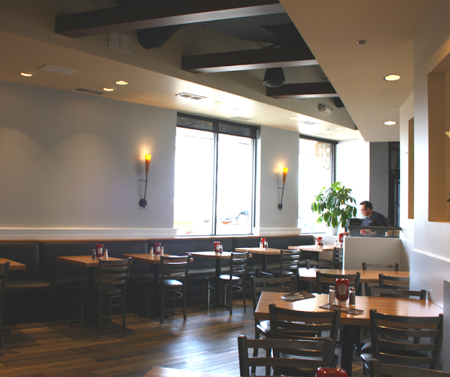 Comfortable and friendly atmosphere at Grill House in Northbrook, Illinois