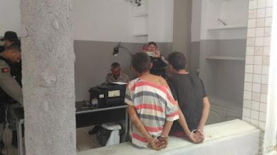 Jovens de Nova Floresta  são presos acusados de assaltar 2 mercadinhos em Cuité