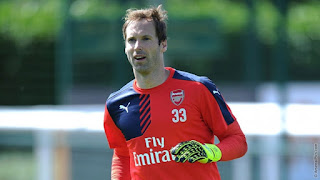Petr Cech Wearing Number 33