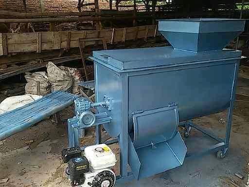 Mixer/pengaduk pakan kapasitas 100/125 kg dengan penggerak 6,5 pk