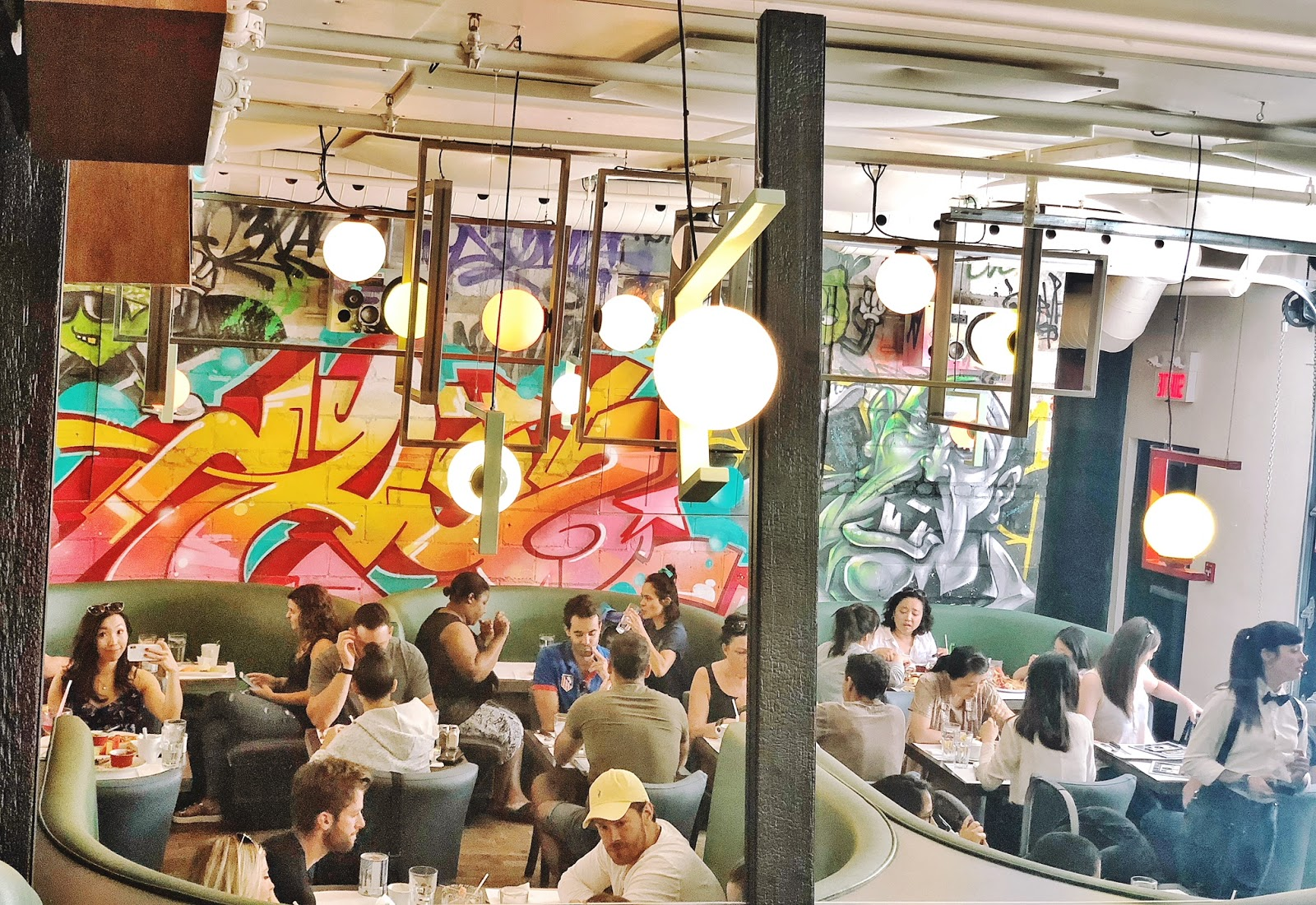 2 Days in Montreal - A Guide to What to Do and Where to Eat - L'avenue Brunch