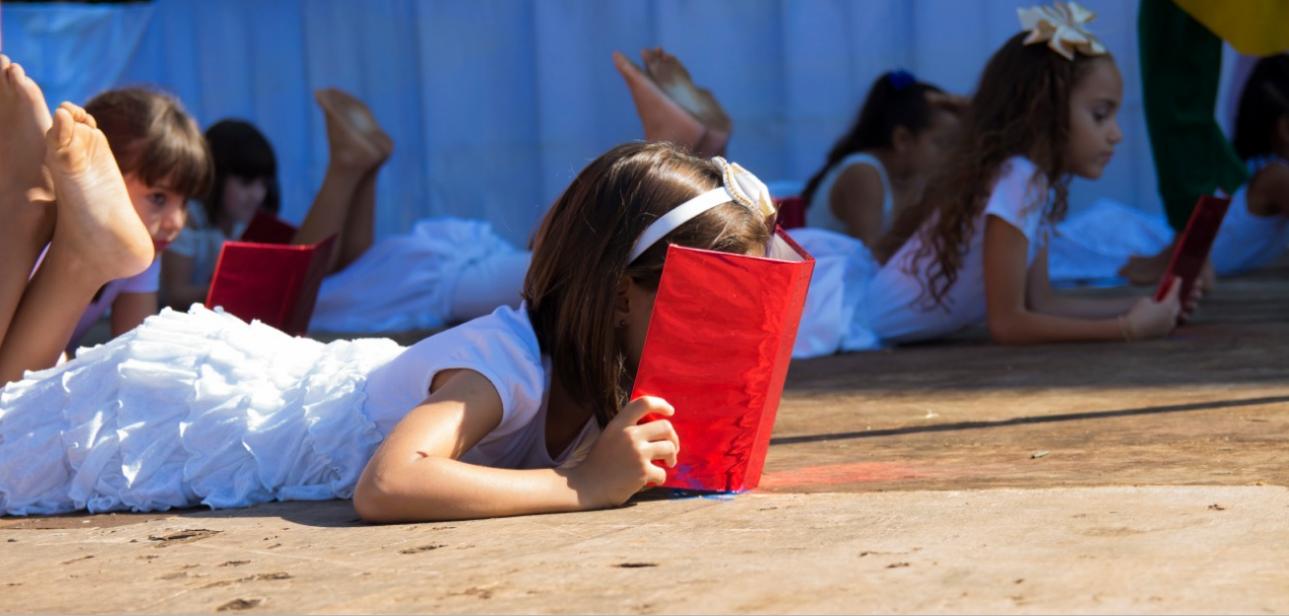 Feira da Leitura é realizada na Praça da Matriz de Cajobi