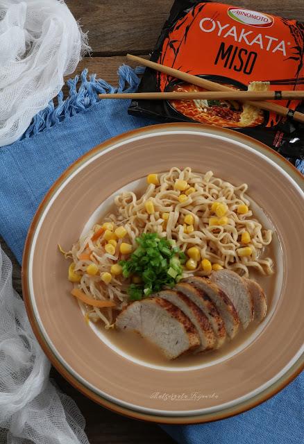 kuchnia japońska, danie kuchni japońskiej, kurczak po japońsku, makaron japoński, oyakata, daylicooking