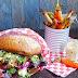 Homemade Veggie Burger mit Buchweizen-Rotebeete Patties & baked Carrots
