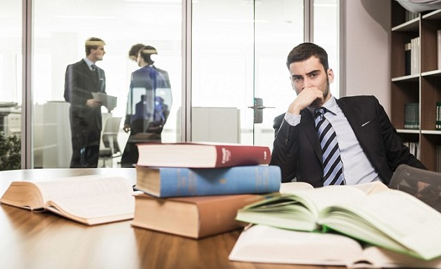 الفكرة النمطية في مهنة المحاماة وخلافها من المهن