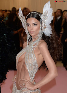 Emily Ratajkowski Expising her beautiful  at 2019 MET Gala in NYC .xyz Exclusive Pics 03