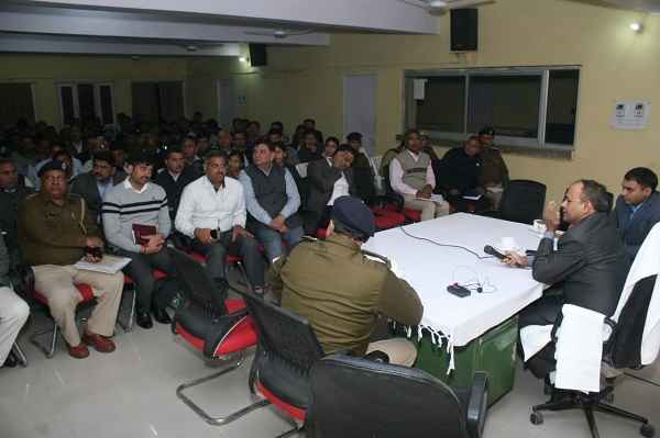 faridabad-police-commissioner-sanjay-kumar-here-police-men-complaint