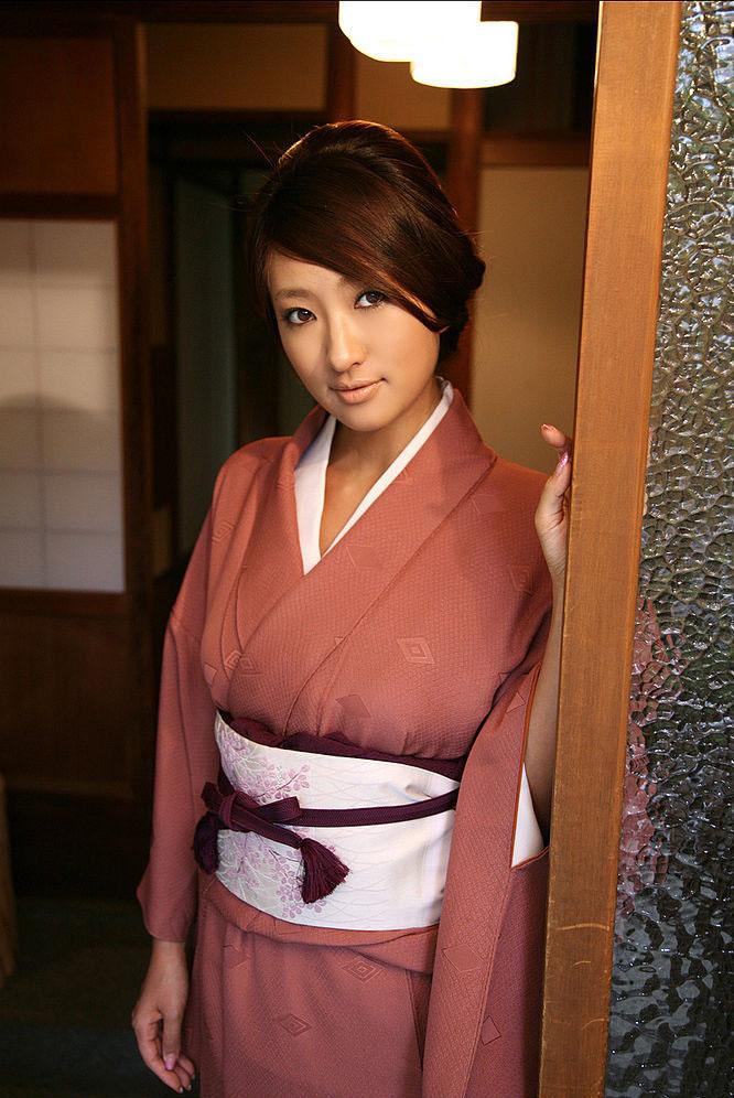 sayaka ando sexy kimono pics 01
